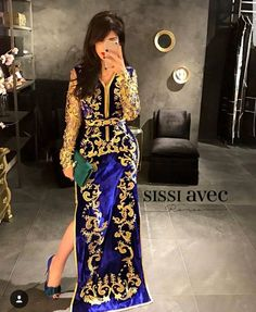 Our online shop propose you a large selection of moroccan kaftan takchita and oriental dresses. If you want to buy it. Morrocan Dress, Moroccan Bride, Moroccan Caftan, Pretty Dresses, Beautiful Dresses, Oriental Dress, Arab Fashion, Mexican Dresses, Caftan Dress