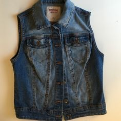 Sleeveless jean jacket Never worn. Great condition. Super cute to layer up! Mossimo Supply Co Jackets & Coats Jean Jackets