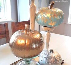 Easy Pumpkin Decor Tutorial Pumpkin Decorating, Christmas Bulbs, Tutorials, Holiday Decor, Easy, Furniture, Home Decor, Decorating Pumpkins, Decoration Home