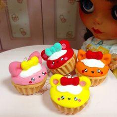 Llevanos contigoooo. Pullrings/colgante/mascota para tus kekas. Buscalas en #Dunae en el #blytheconmadrid #blythe #pullring #cupcake #kaway @blytheconmadrid