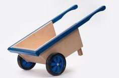 Ado Houten Speelgoed  Apart, doelmatig en onverwoestbaar. Dát is het ambachtelijk gemaakte houten speelgoed van Ado Speelgoed. Dit unieke speelgoedmerk, van Nederlands fabricaat, bestaat al bijna 90 jaar en kenmerkt zich door kwalitatief sterke en natuurlijke producten. Ook de eenvoud en het gebruik van primaire kleuren maakt Ado speelgoed tot een geliefd product.  Alle producten van Ado Houtenspeelgoed , speelgoed en meubeltjes, zijn gemaakt van de beste materialen.