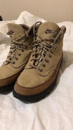 347d1abe961da Used Nike hiking boots men s size ten for sale in El Paso - letgo