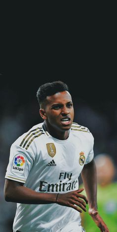 Varane Real Madrid, Real Madrid Football, Fifa, Real Madrid Wallpapers, Sports Channel, Football Design, Haircut Styles, Champions, Haircuts For Men