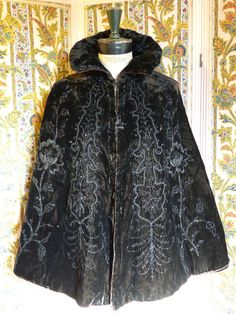 Black velvet evening cape with floral motif by Labaronnevintage