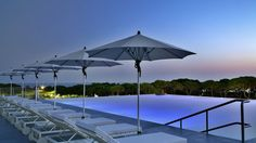 The Oitavos is a luxury hotel, in Cascais, Lisbon. Sanctuaries of space and stunning views are amongst the largest in all of Lisbon. Invitation to relax. Hotels In Portugal, Algarve, Spas, Parque Natural, Relax, Aluminum Patio, Wood Patio, Patio Umbrellas, Travel