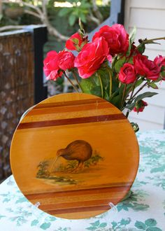 Hey, I found this really awesome Etsy listing at https://www.etsy.com/listing/224502831/gorgeous-vintage-1960s-kiwi-bird-wooden