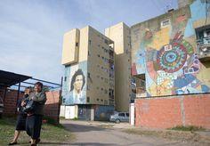 A Buenos Aires, le street art, nouvelle forme d'expression, s'attaque au vandalisme de rue