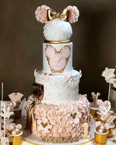 Amar gêmeos Shakes e Sherwin Azi . Pretty Cakes, Cute Cakes, Beautiful Cakes, Amazing Cakes, Bolo Da Minnie Mouse, Minnie Mouse Cake, Mickey Mouse, Gateau Baby Shower, Baby Shower Cakes