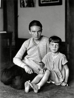 Mother and daughter © August Sander