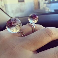 Aesidhe | sterling silver 925 ring with authentic pink pearl encapsulated in a crystal resin sphere #aesidhe #silver #silverjewelry #sterlingsilver #pearls #pearl #pink#pinkpearl #rings #jewellery #jewelry #design #jewellerydesigners #fashion #instachic #instacool #instashop #instafashion #etsy #etsyshop #madeinspain #toledo #joyeriacreativa #margalgau