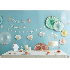 Yes, yes, a thousand times yes! Next time you are having a get together with your Mergirl gang, decorate with this adorable garland. • Pack contains 1 garland i