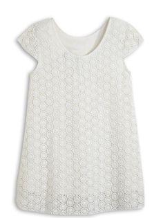 LA ROBE BREVE :                     On craque totalement pour cette très jolie robe d'été !            LA ROBE BREVE, col rond, mancherons, col rond au dos, fermeture par 2 boutons au dos, pince, broderies, doublure.
