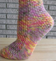 Socks - Show-off Stranded Socks - I love this pattern, I hope I get to try to make them. And the pattern is FREE on Ravelry
