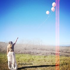Aaand that's a wrap. #field #balloons #vintage #photoshoot