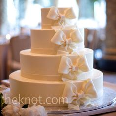 Simple white fondant bow wedding cake // Cake: Rolf's Patisserie ...