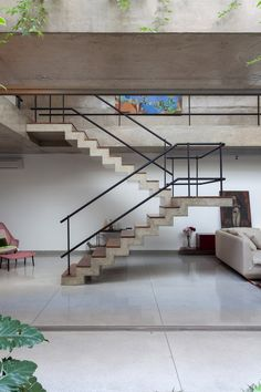 Gallery of Jardins House / Arquitetura - 5 Image 5 of 52 from gallery of Jardins House / Arquitetura. Photograph by Fran Parente<br> Image 5 of 52 from gallery of Jardins House / Arquitetura. Photograph by Fran Parente Interior Railings, Interior Staircase, Exterior Stairs, Staircase Railings, Stairs Architecture, Interior Architecture, Chinese Architecture, Futuristic Architecture, Staircases
