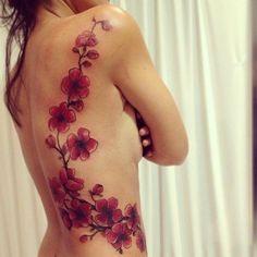 I tatuaggi coi fiori di ciliegio sono un soggetto delicato, dal profondo significato e adatti a tutti, uomini e donne. Ecco una gallery dei più belli