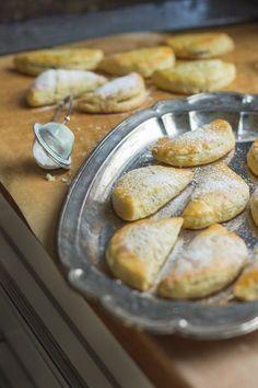 Maire mummun kermaiset joulutortut - Sweet Food O´Mine Christmas Baking, Pretzel Bites, Yummy Cakes, Sweet Recipes, Food And Drink, Bread, Snacks, Cooking, Breakfast