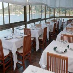 The restaurant is on the coast, Portovenere.
