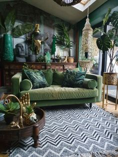 ideas room ideas to match red sofa decor ideas decor ideas 5 minute crafts ideas zen decor quotes ideas ideas party tables decor ideas images Dark Living Rooms, Living Room Green, Boho Living Room, Green Rooms, Living Room Decor, Bedroom Decor, Wall Decor, Tropical Living Rooms, Green Walls