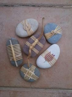 Stone Crafts, Rock Crafts, Arts And Crafts, Inspirational Rocks, Painted Driftwood, Stone Wrapping, Textile Fiber Art, Rock Decor, Rock Art