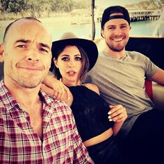 Paul Blackthorne, Willa Holland, and Stephen Amell