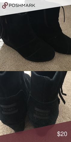 Toms booties Used condition TOMS Shoes Ankle Boots & Booties