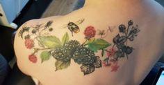 70 Super Ideas Tattoo Shoulder Women Coverup Cover Up Trendy Tattoos, Unique Tattoos, Beautiful Tattoos, Cool Tattoos, Finger Tattoos, Body Art Tattoos, Sleeve Tattoos, Tattoo Drawings, Tattoo Henna