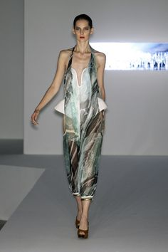 Hussein Chalayan -- s/s 2009