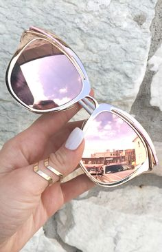 Too pretty, to be true. We're crushing hard on these. Beautiful Rose Gold Sunnies, fully reflective. Let them stop and stare. These signature Sunnies have become one of our most popular among many cel