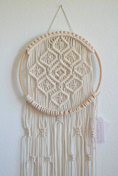 Aros de macrame por KnotOnomy en Etsy Macrame Design, Macrame Art, Macrame Projects, Macrame Wall Hanging Patterns, Macrame Patterns, Large Macrame Wall Hanging, Macrame Plant Holder, Macrame Plant Hangers, Weaving