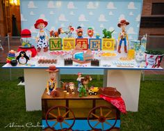 Sheri getting box dimensions i will make letters toy story party table, desserts and decor: Jessie Toy Story, Toy Story Baby, Toy Story Theme, Toy Story Birthday, Bolo Toy Story, Toy Story Cakes, Toy History, Festa Toy Store, Woody Party