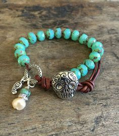 Sugar Skull Knotted Bracelet Silver Turquoise por TwoSilverSisters
