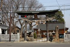 千曲市の須々岐水神社です。-Susukimizu Jinja (Chikuma City,Nagano)- この神社は千曲市屋代として祀られた神社だそうです。拝殿は最近になって改築されたので、とても新しいのですが、本殿は1851年に建てられた立川流宮大工の建築です。 近くにある武水別神社の建築のために滞在中に、立川2代目の富昌が棟梁として携わったそうです。
