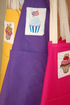 10 Kids Baking Party Aprons Assorted Colors and Designs - 6 - 9 Years