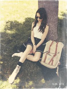 troian bellisario from Pretty Little Liars Pretty Little Liars Spencer, Pretty Little Liars Fashion, Perfect People, Beautiful People, Pretty People, Spencer Hastings Style, Spencer Pll, Pll Outfits, Preppy Southern