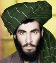 O Taleban afegão divulgou uma foto rara do mulá Omar, ex-líder do grupo, em 1978, quando ele era estudante religioso em Kandahar. É a única imagem conhecida do mulá Omar, que comandou os talibãs até sua morte, antes de ele perder seu olho direito em um combate. Visto em público pela última vez em 2001, Omar morreu há mais de dois anos, mas ela só foi confirmada pelo grupo terrorista no último mês de julho. Seu posto de liderança no Taleban foi assumido pelo mulá Mansour