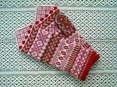 Ravelry: Ylva pattern by Solveig Larsson