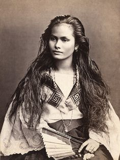 "A mestiza de sangley in a photograph by Francisco Van Camp, c. ""Mestiza de Sangley"", was the Spanish colonists term for ""mixed Chinese & Indigenous Filipino"" if referring to a mixed-race person of sangley <Chinese>and indio <local> mix Native American Beauty, Native American History, Native American Indians, American Girl, Native American Photos, American Pride, Beautiful People, Beautiful Women, Amazing People"