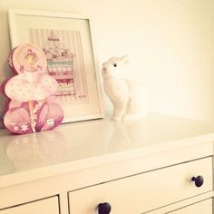little girl's room details, princess and the pea print