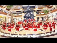If you are looking for the merry christmas 2018 dance cover images then you have land on the right place where you also find merry christmas images Ch Mariah Carey Christmas, Merry Christmas Song, Christmas Songs For Kids, Christmas Dance, Merry Christmas Images, Christmas And New Year, Voodoo Music, Dance Academy, Best Dance