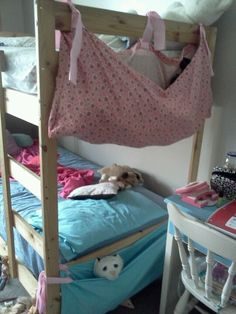 Bunk Bed handing caddy for frequently used items (glasses, Bible, lip balm, notebook, etc. Bunk Beds With Storage, Cool Bunk Beds, Kids Bunk Beds, Kids Storage, Toy Storage, Organizing Stuffed Animals, Stuffed Animal Storage, Diy Stuffed Animals, Wooden Bunk Beds