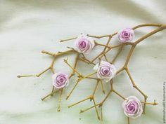 маленькие розы из шёлка #handmade #handmade_accessories #accessories #ручная_работа #цветы_из_шелка #брошь #цветы #украшения #розы #цветы_из_ткани #цветы_на_заказ #цветы_ручной_работы #flower_khv #akhmedova_a #silk_flowers #хабаровск
