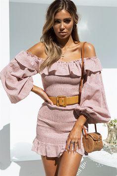 Love this. Stylish soft pink dress. Bare shoulders.Hallow Dress #SABOSKIRT