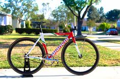 LA FIXED : Photo Bianchi Super pista wow Bianchi going with red n white na