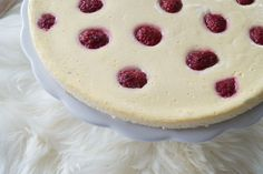 Skyr Raspberry Cake – Zero Points Cake by Weight Watchers – Pretty You - Famous Last Words Easy Smoothie Recipes, Easy Smoothies, Good Healthy Recipes, Weight Watchers Kuchen, Cake Recipes, Snack Recipes, Low Calorie Desserts, Coconut Smoothie, Raspberry Cake