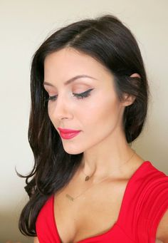 The HONEYBEE: Revlon Color Burst Matte Balm. #brunette #makeup #thehoneybee