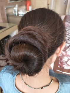 Beautiful Buns, Beautiful Braids, Beautiful Long Hair, Gorgeous Hair, Amazing Hair, Beautiful Women, Long Indian Hair, Bridal Hair Buns, Big Bun