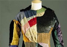 Sonia Delaunay - philosopher of the dress - patchwork dress named Robe simultanee from 1913 Sonia Delaunay, Robert Delaunay, Quirky Fashion, Fashion Looks, Ukraine, Patchwork Dress, Antique Clothing, Art Deco Design, Couture