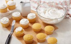 Whip up your own delicious homemade buttercream frosting with this classic, quick and easy recipe! This recipe makes 2 cups of frosting, enough to frost 24 cupcakes. Crusting Buttercream Frosting Recipe, Chocolate Buttercream, Frosting Recipes, Cake Recipes, Buttercream Flowers, Sweet Recipes, Healthy Recipes, Crumb Coating A Cake, Easy Royal Icing Recipe